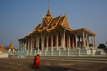 A striking sight at Phnom Penh's royal palace