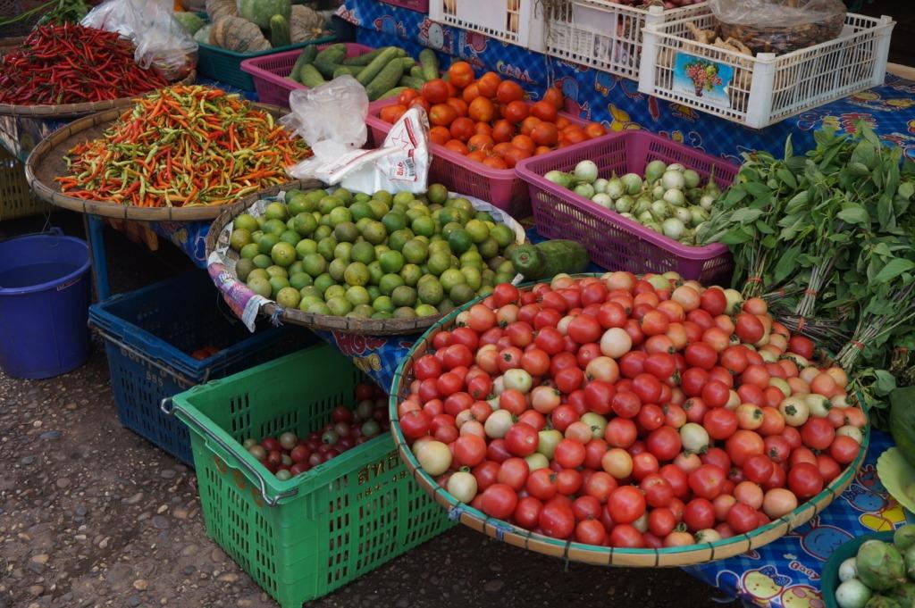 Colorful market in Pat Khat